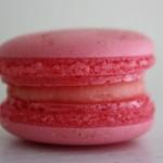 Френски макарон - ягода