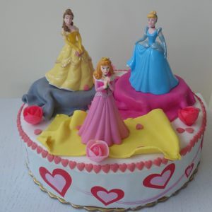 torta trite princesi